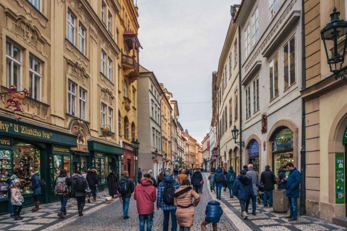 Une ruelle de la Vieille Ville de Prague