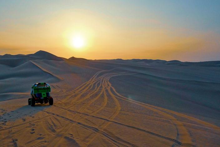 Buggy et sandboard dans les dunes de Huacachina