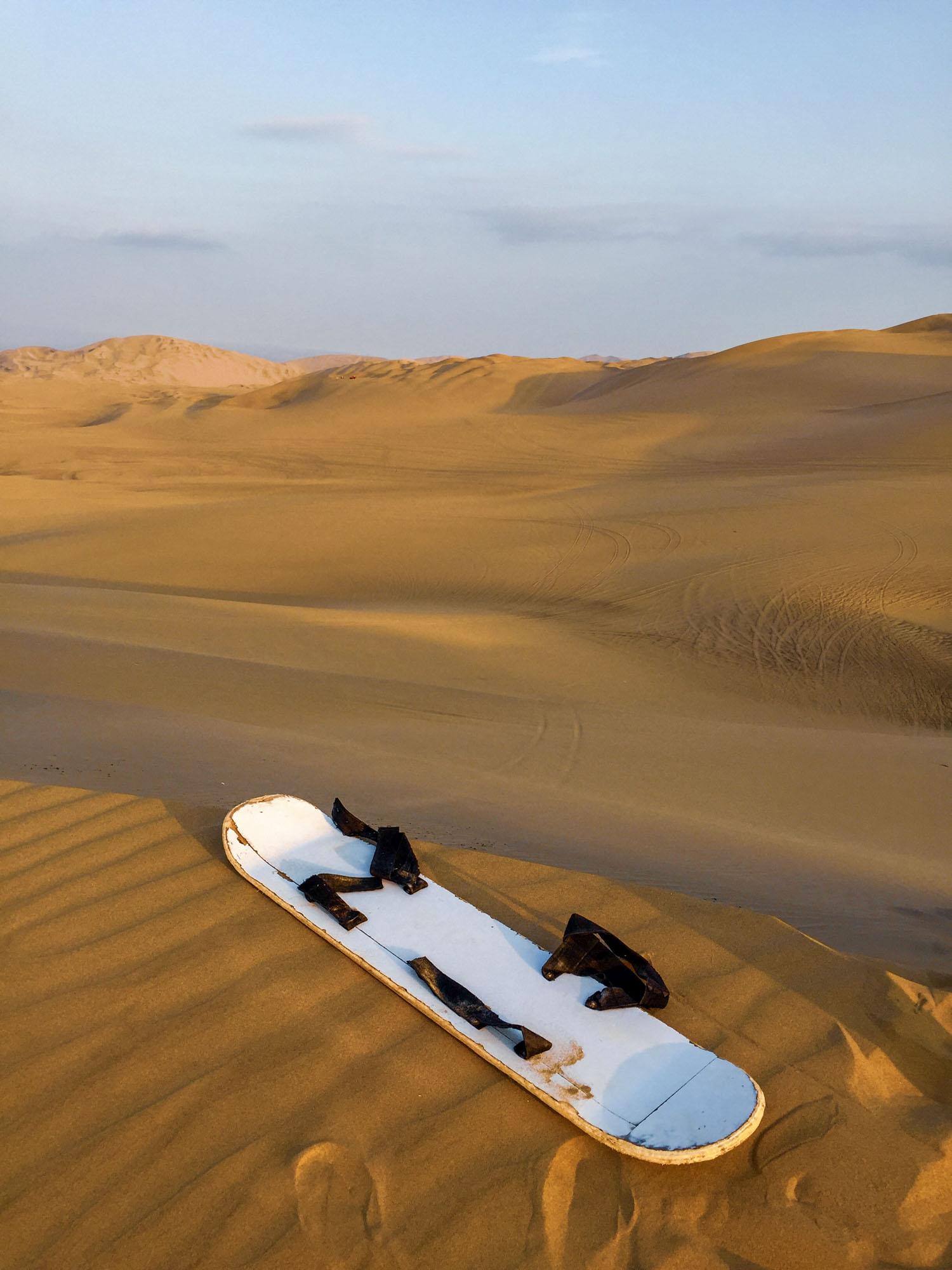 Sandboard dans les dunes de Huacachina